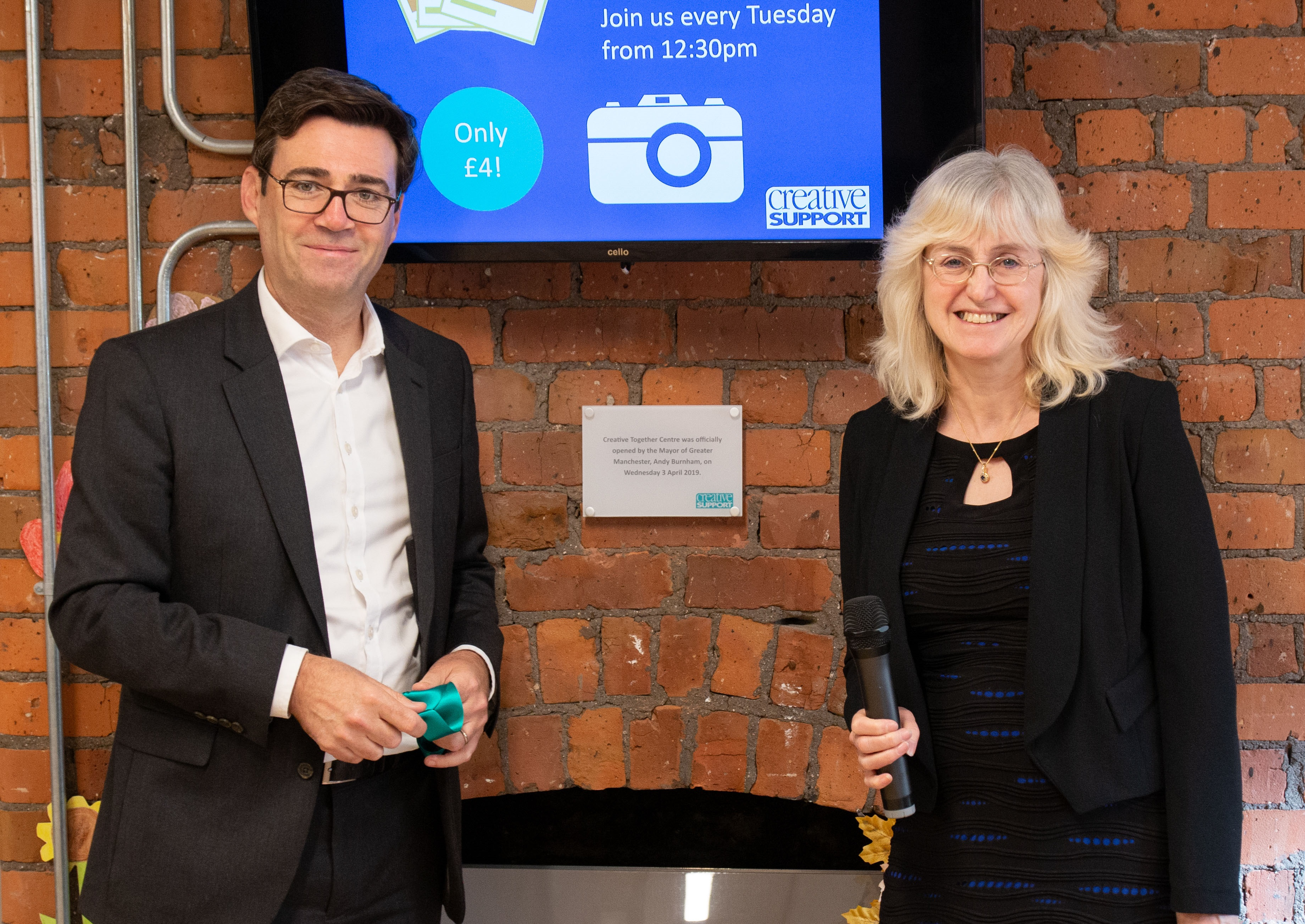 News Release – Andy Burnham visits Creative Support